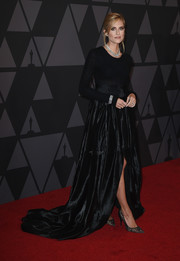 Allison Williams finished off her all-black ensemble with a pair of lace pumps by Paul Andrew.