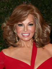 Raquel Welch looked downright fab with her high-volume curls during the Governors Awards.
