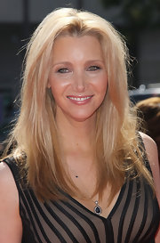 Lisa Kudrow opted for a simple center-parted 'do when she attended the 2012 Emmys.