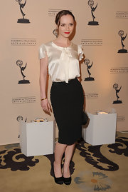 Christina was lovely in a white silk blouse with a tie neck for the Television Academy Honors.