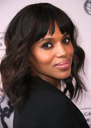 Kerry Washington attended an Evening with Shonda Rhimes and Friends wearing her hair in a long slightly layered bob featuring soft waves and wispy bangs.