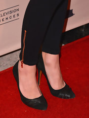 Emily VanCamp kept her look simple and classic with black pumps.