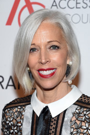 Linda Fargo showed off a gorgeous silver bob at the 2016 ACE Awards.