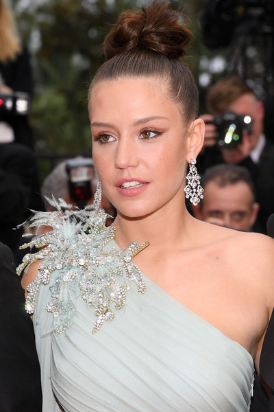 Adele Exarchopoulos Hair Knot [hair,hairstyle,shoulder,eyebrow,beauty,lip,chignon,fashion,dress,chin,sibyl,ad\u00e3 \u0308le exarchopoulos,sibyl red carpet,screening,cannes,france,the 72nd annual cannes film festival]