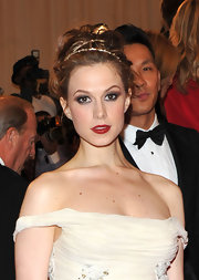 Elettra Wiedemann went for classic elegance at the 2011 Met Gala with a touch of ravishing red lipstick.