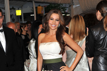 Sofia Vergara Stays Sweet in Carolina Herrera at the 2011 Met Gala
