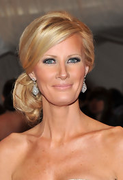 Sandra Lee pinned her hair up in a classic chignon for the 2011 Met Gala.