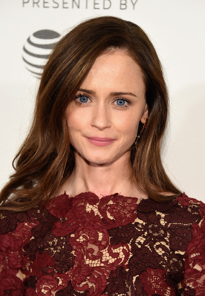 Alexis Bledel Long Side Part [the handmaids tale premiere,hair,face,hairstyle,eyebrow,lip,beauty,chin,brown hair,long hair,hair coloring,alexis bledel,new york city,bmcc tribeca pac,tribeca film festival]