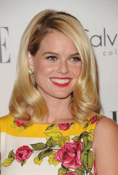 Alice Eve Bright Lipstick [hair,blond,hairstyle,face,eyebrow,beauty,lip,chin,long hair,shoulder,alice eve,18th annual women in hollywood tribute - arrivals,california,los angeles,four seasons hotel,elle,18th annual women in hollywood tribute]