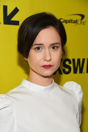 Katherine Waterston kept it simple with this side-parted hairstyle at the SXSW premiere of 'Alien.'