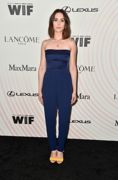 Alison Brie Peep Toe Pumps [clothing,shoulder,dress,cobalt blue,strapless dress,fashion,premiere,hairstyle,electric blue,fashion model,lancome - arrivals,women in film 2018 crystal lucy awards,alison brie,the beverly hilton hotel,california,beverly hills,max mara,lanc\u00f4me,lexus]