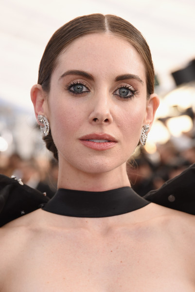 Alison Brie Chignon [red carpet,hair,face,eyebrow,lip,skin,hairstyle,beauty,chin,fashion,cheek,alison brie,screen actors guild awards,screen actors\u00e2 guild awards,california,los angeles,the shrine auditorium]