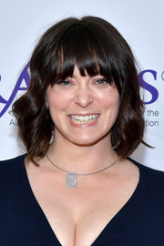 Rachel Bloom framed her face with a short wavy 'do for the 2019 Gracie Awards.