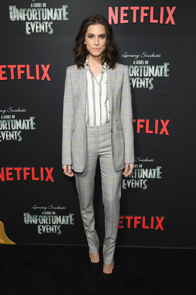 Allison Williams Pantsuit [a series of unfortunate events,season,suit,clothing,pantsuit,premiere,fashion,formal wear,outerwear,tuxedo,blazer,magazine,allison williams,new york city,netflix,premiere]