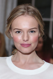 Kate Bosworth looked ultra-romantic with a pretty berry pout.