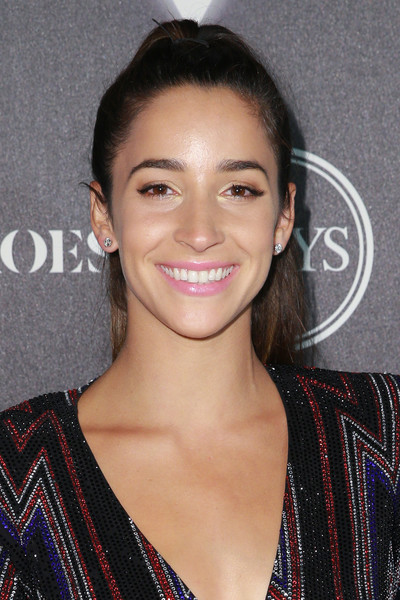 Aly Raisman Ponytail [hair,eyebrow,hairstyle,beauty,lip,chin,smile,premiere,long hair,black hair,arrivals,aly raisman,heroes,city market social house,los angeles,california,espys]