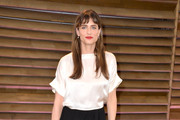 Amanda Peet Long Skirt