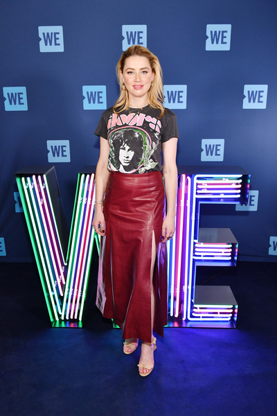 Amber Heard Graphic Tee [clothing,carpet,fashion,fashion design,dress,red carpet,flooring,event,performance,style,amber heard,we day un,barclays center,new york city]