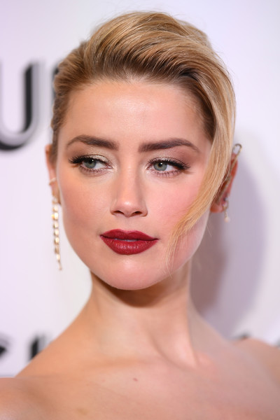 Amber Heard Pompadour [hair,face,eyebrow,lip,hairstyle,skin,chin,blond,beauty,forehead,new york city,glamour women of the year awards: women rise,arrivals,amber heard]
