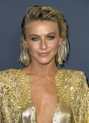 Julianne Hough looked edgy-chic with her wet-look waves at the 'America's Got Talent' season 14 finale.