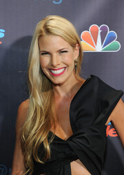 Beth Stern wore her hair in flowing waves when she attended the 'America's Got Talent' finale.