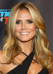 Heidi Klum topped off her look with a gorgeous wavy 'do when she attended the 'America's Got Talent' season 8 pre-show event.