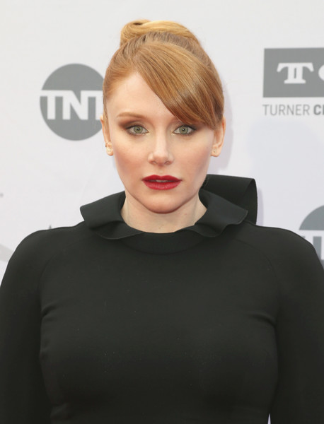 Bryce Dallas Howard looked fab with her sculpted bun and side-swept bangs at the AFI Life Achievement Award.