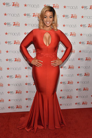Dascha Polanco cut a voluptuous figure in a keyhole-neckline mermaid gown by Michael Costello at the American Heart Association Go Red for Women event.