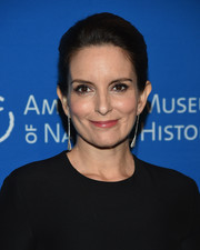Tina Fey sported a classic loose bun at the 2018 American Museum of Natural History Gala.