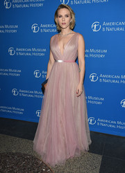 Scarlett Johansson looked enchanting in a pink V-neck tulle gown by J. Mendel at the 2018 American Museum of Natural History Gala.