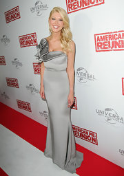 Tara Reid wore this asymmetrical silver dress to the 'American Pie: Reunion' premiere in Australia.