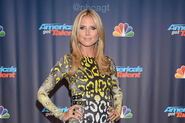 Heidi Klum Wears Yellow Leopard Print — Doesn't Look Tacky!