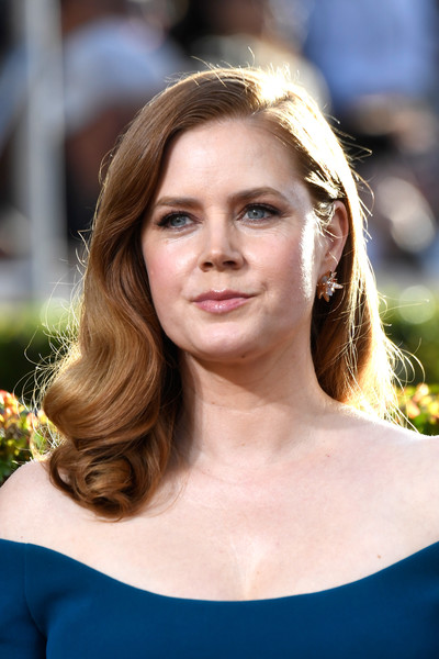 Amy Adams Long Curls [hair,face,hairstyle,eyebrow,blond,beauty,shoulder,skin,lip,lady,arrivals,amy adams,the beverly hilton hotel,beverly hills,california,golden globe awards]