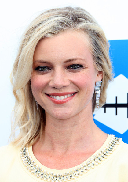 Amy Smart Dangling Diamond Earrings