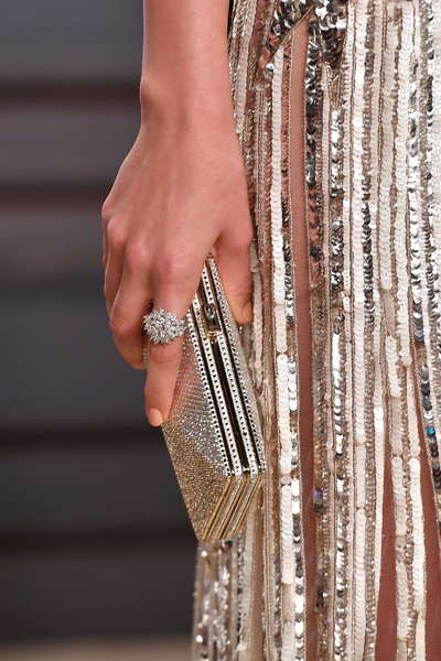 Ana de Armas Diamond Ring [fashion,hand,finger,jewellery,fashion accessory,bangle,dress,beige,wrist,haute couture,ana de armas,graydon carter - arrivals,graydon carter,fashion detail,beverly hills,california,wallis annenberg center for the performing arts,oscar party,vanity fair]