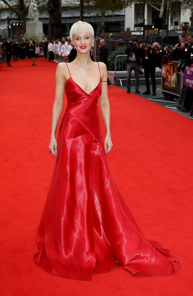 Andrea Riseborough Evening Dress [battle of the sexes,red carpet,fashion model,gown,carpet,dress,clothing,flooring,red,haute couture,fashion,andrea riseborough,european,london,england,bfi london film festival,premiere,american express gala european premiere]