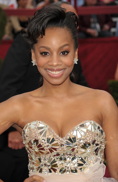 Anika Noni Rose French Twist