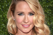Anna Camp Long Wavy Cut