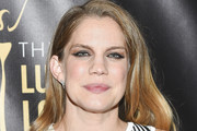 Anna Chlumsky Medium Wavy Cut