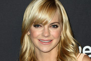Anna Faris Feathered Flip