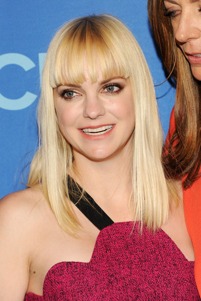 Anna Faris Long Straight Cut with Bangs [the tent,hair,face,blond,hairstyle,bangs,eyebrow,chin,long hair,hair coloring,layered hair,anna faris,presentation,lincoln center,new york city,cbs,cbs 2013 upfront presentation]