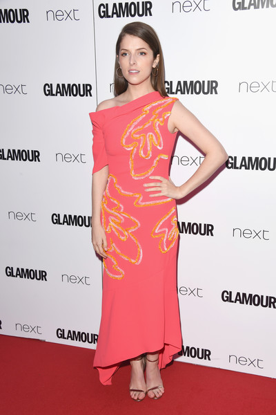 Anna Kendrick Off-the-Shoulder Dress [clothing,dress,shoulder,cocktail dress,pink,fashion model,hairstyle,joint,premiere,fashion,anna kendrick,glamour women of the year awards,awards,england,london,berkeley square gardens,red carpet arrivals,glamour women of the year]