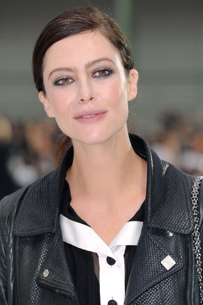 Anna Mouglalis Metallic Eyeshadow