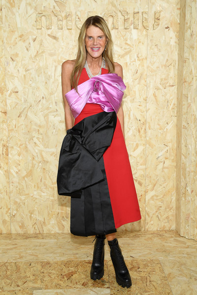 Anna dello Russo Strapless Dress [miu miu : outside arrivals,clothing,pink,lady,dress,footwear,magenta,leg,pattern,apron,fashion model,summer 2020,anna dello russo,miu miu womenswear spring,part,paris,france,paris fashion week,show]