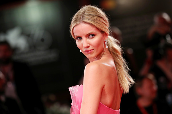 Annabelle Wallis Loose Ponytail [hair,fashion model,fashion,hairstyle,beauty,blond,model,lip,fashion show,long hair,seberg red carpet arrivals,seberg,annabelle wallis,sala grande,red carpet,venice,italy,76th venice film festival,screening]