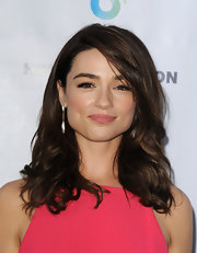 Crystal Reed kept her look soft and pretty with loose waves.
