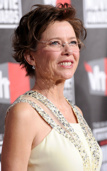 Annette Bening Messy Cut [hair,hairstyle,shoulder,eyebrow,chin,blond,lip,glasses,smile,premiere,arrivals,annette bening,critics choice movie awards,california,los angeles,hollywood palladium]