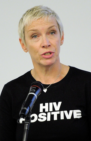 Annie Lennox Pixie [microphone,spokesperson,annie lennox,alicia keys,singer,internatioinal,aids,hiv priorities for positive change - in womans words,new york city,un,united nations conference on aids,conference]