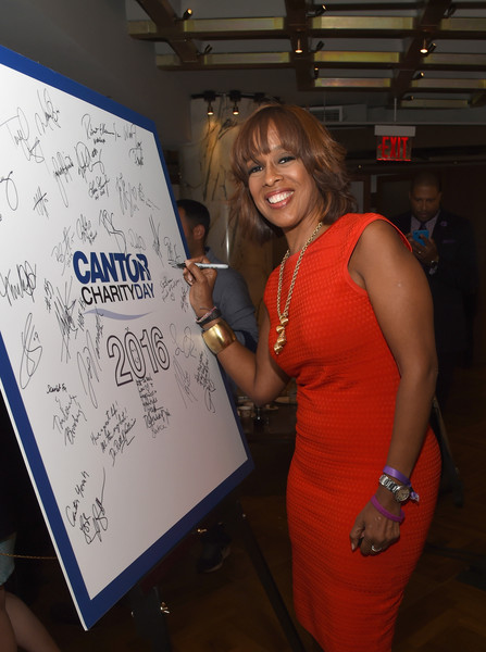 More Pics of Gayle King Layered Razor Cut (1 of 9) - Gayle King Lookbook - StyleBistro [shoulder,fun,office - arrivals,gayle king,new york city,cantor fitzgerald,bgc,gfi,charity day,annual charity day]