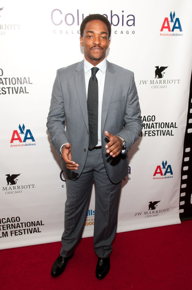 Anthony Mackie Dotted Tie []